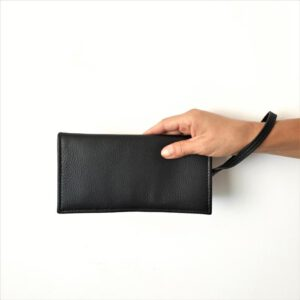 Luana. Leather wallets for women