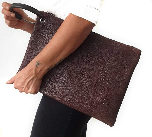 Chiara. Leather clutch bag Made in Italy